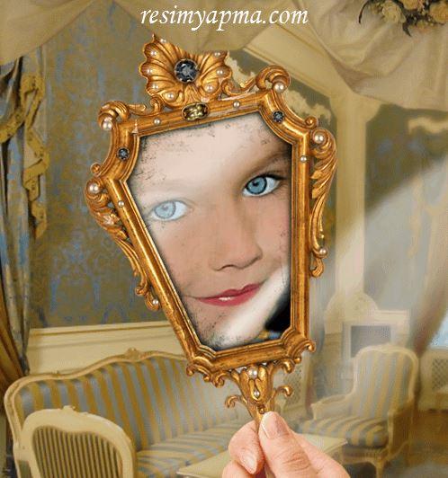 Resmini Aynadan Çekilmiş Gibi Yap