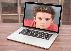 Bilgisayar Ekranına Fotoğraf Koyma
