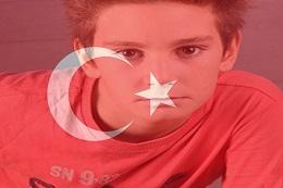 Türk Bayrağı Üzerine Resim Koyma