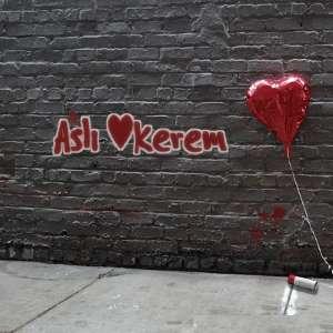 Duvara Aşk Grafiti Yazı Yaz