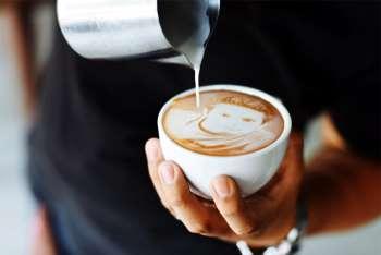 kahve-fincani-icinde-resim