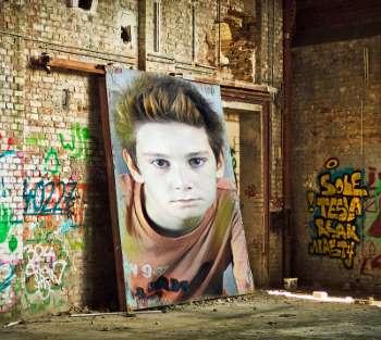 terk-edilmis-bir-evde-graffiti-resmi